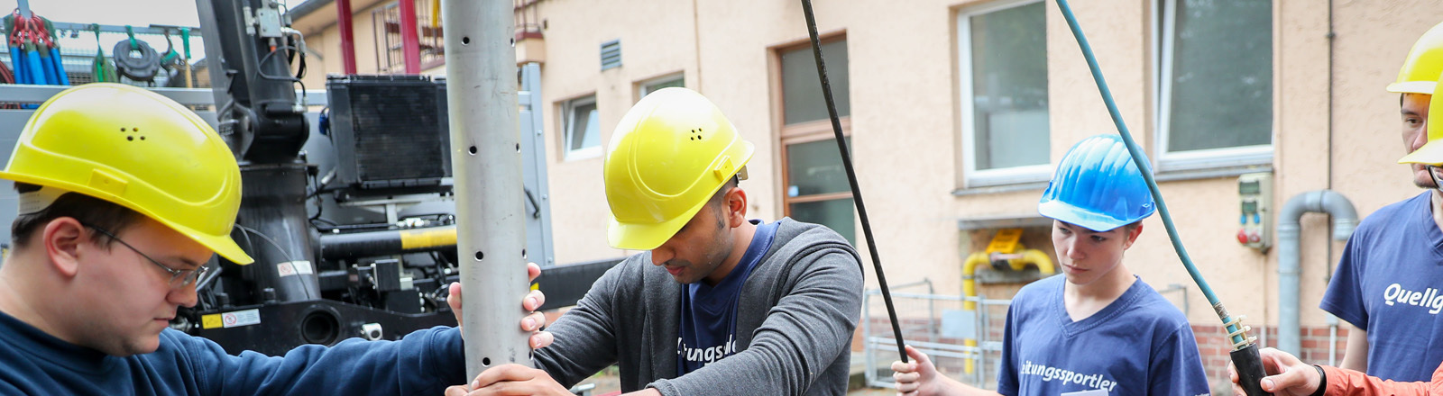 Azubis der Berliner Wasserbetriebe bei der Arbeit