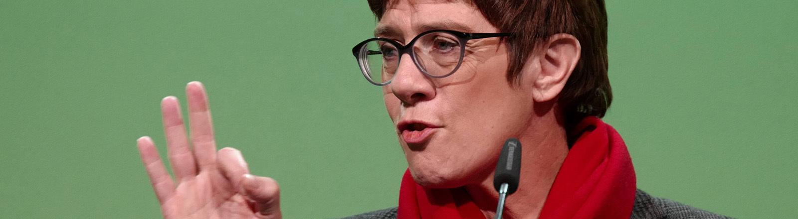 Annegret Kramp-Karrenbauer bei einer Veranstaltung in Sachsen