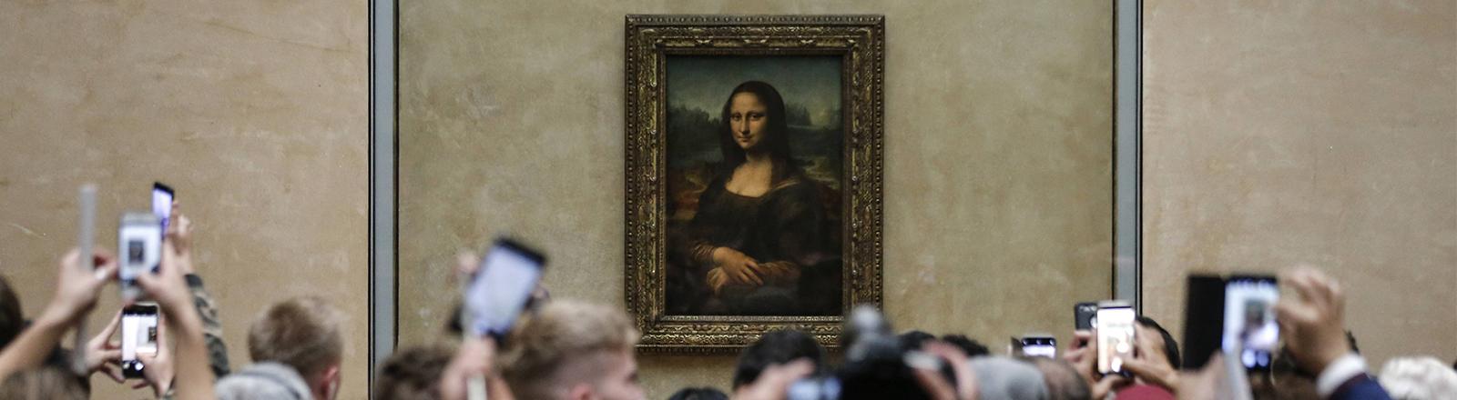 Das Gemälde der Mona Lisa im Louvre