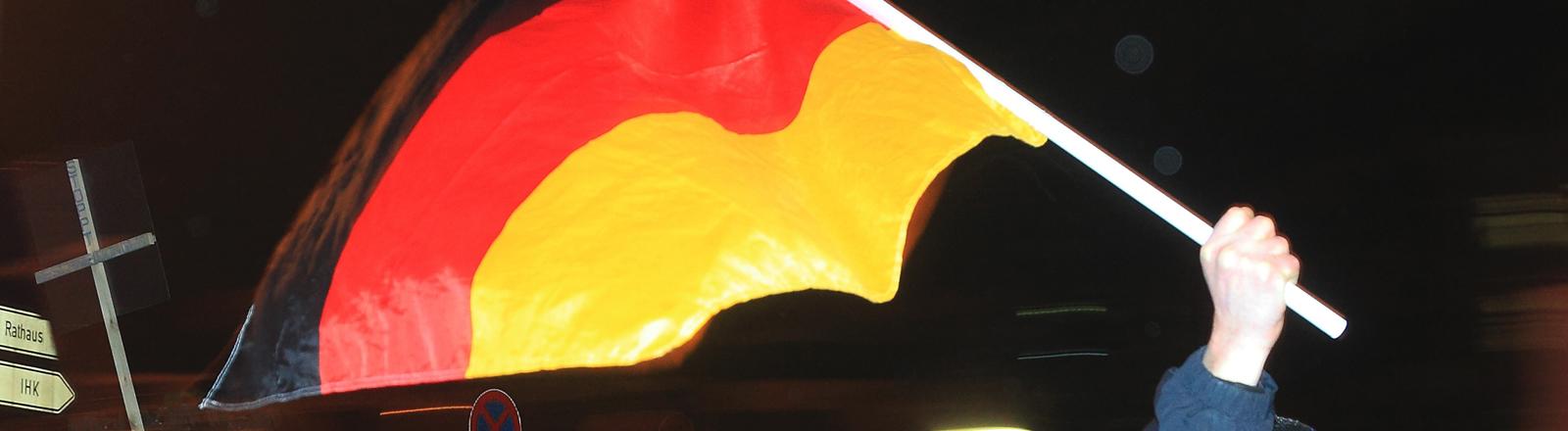 Magida-Anhänger mit Deutschlandflagge in Magdeburg