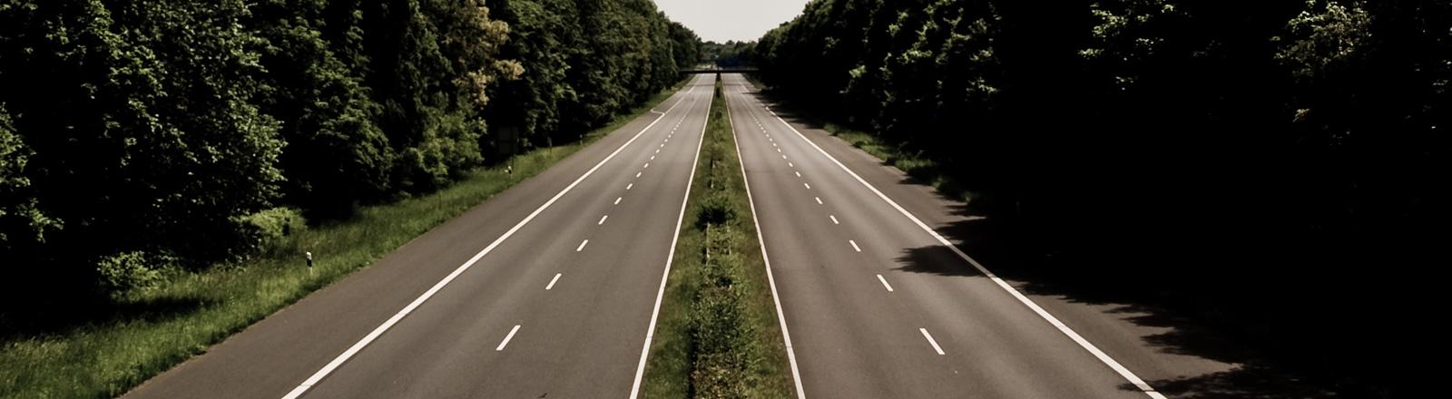 Eine Autobahn ohne Autos