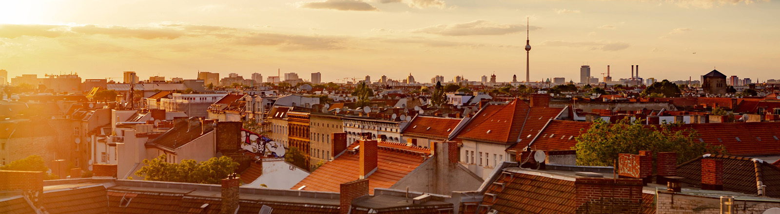 Skyline Berlins bei Sonnenuntergang