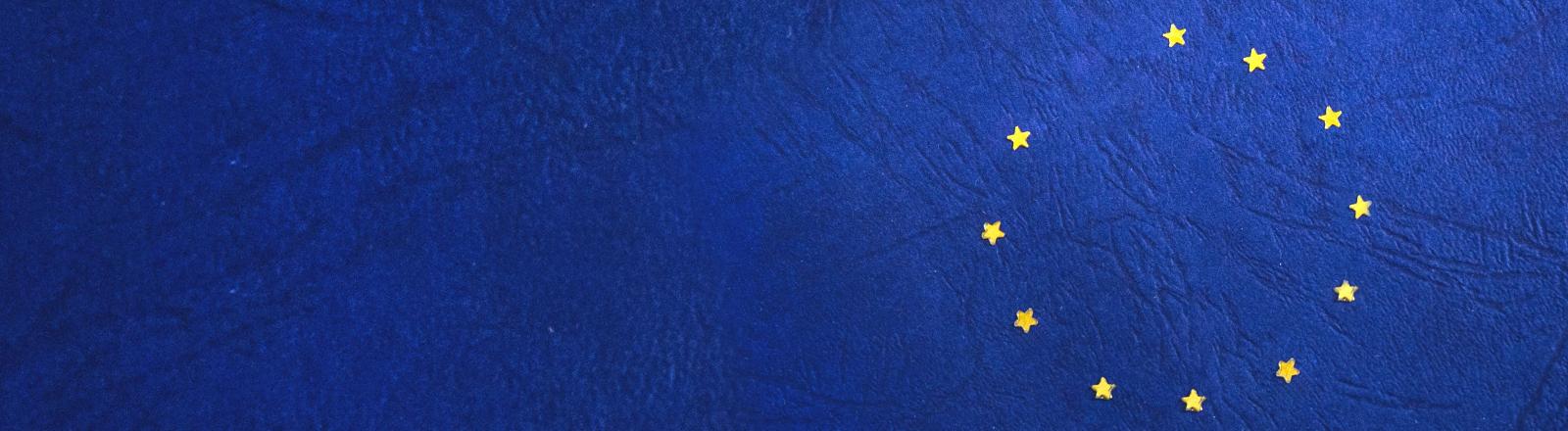 Die Flagge der Europäischen Union, doch einer der zwölf Sterne fehlt.