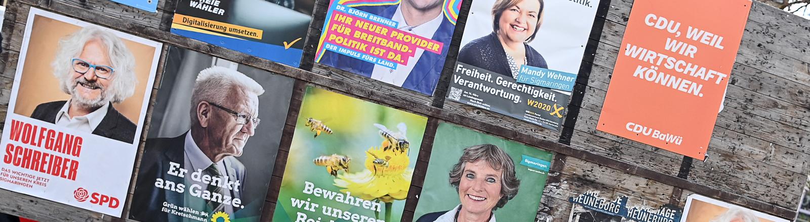 Wahlplakate vor der Landtagswahl Baden-Württemberg 2021.