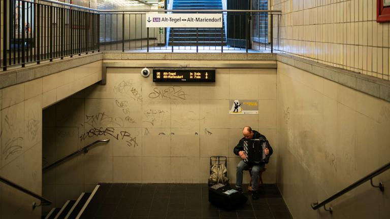 Treppe in Bahnhof