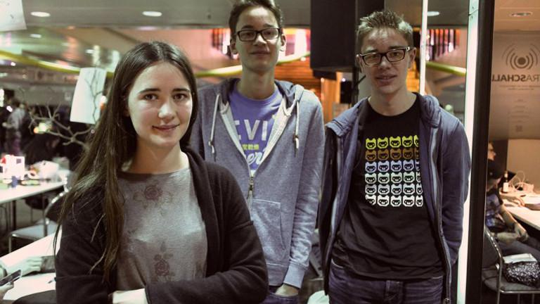 """Nina und ihre Schulkameraden haben mit der Erklär-Website """"HowToPGP"""" bei """"Jugend Hackt"""" gewonnen"""