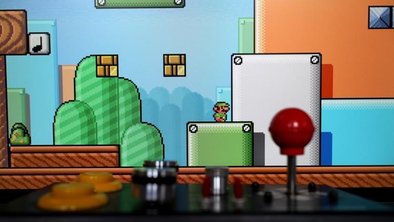 Im freien Fan-Game Super-Mario-War müssen sich Charaktere aus verschiedensten Konsolenspielen gegenseitig plattmachen