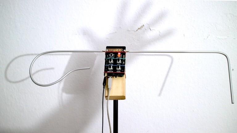 Das Instrument Theremin zusammengebaut nach einer Open Source Anleitung.