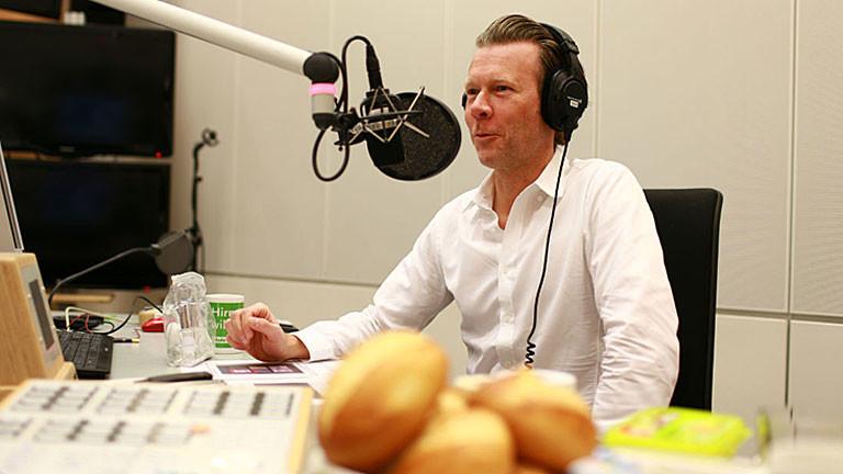 """Robert Müller-Grünow von der Kölner Marketingagentur """"Scentcommunication"""" im Studio"""