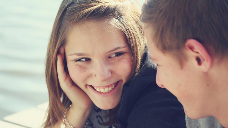 Flirt-ABC: Von A- wie Augenkontakt bis Z- wie Zeichen und was Flirten mit Chemie zu tun hat