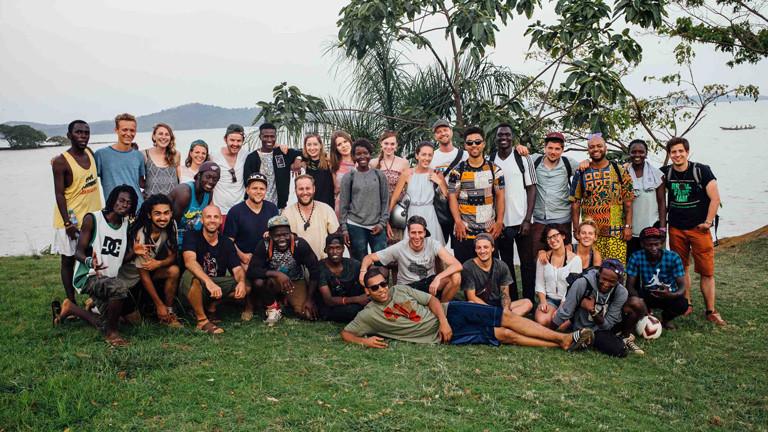 Die Reisegruppe von Viva con Agua, mit dabei Tapfertyp Tilla Kross