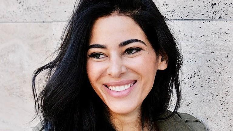 Samira El Ouassil im Portrait