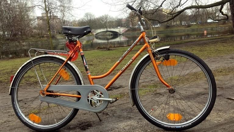Fertig! Das Rad rollt wieder perfekt. Bei der Probefahrt fehlt nur eines: Frühling!