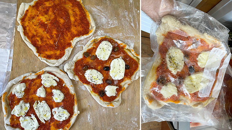 Fertig vorgebackene DIY-Tiefkühlpizza wird für den Gefrierschrank verpackt.