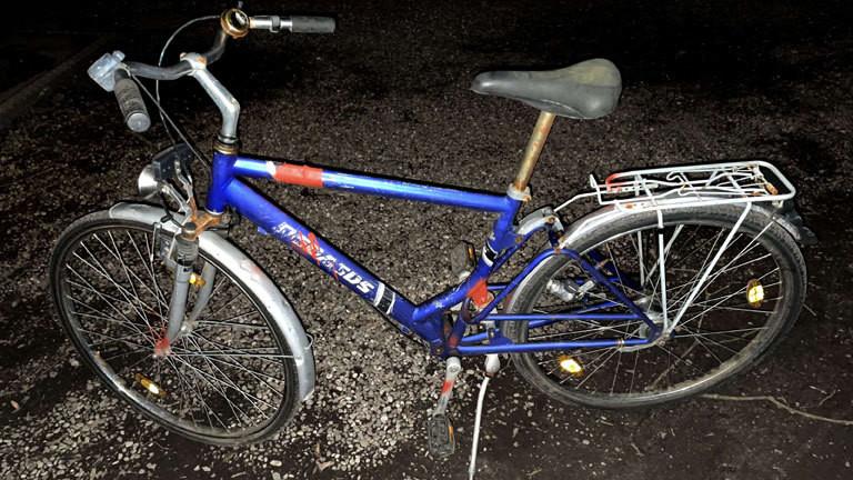 Das Fahrrad wird verunstaltet, damit es nicht von Dieben gestohlen wird.