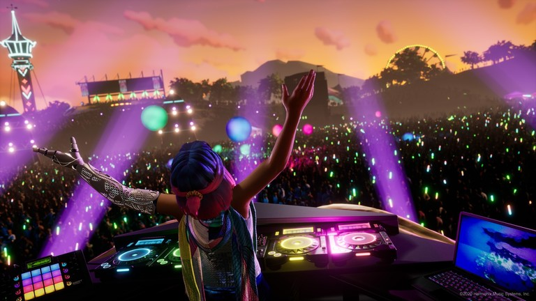 Screenshot aus dem Videogame: Djane lässt sich von der Masse feiern.