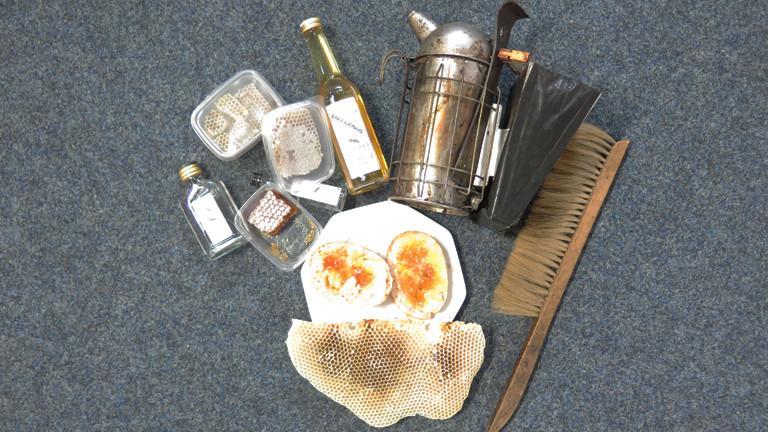 Honigprodukte und Imkerwerkzeug