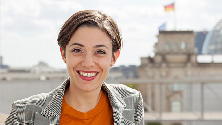 Portrait der DLF-Hauptstadtkorrespondentin Katharina Hamberger