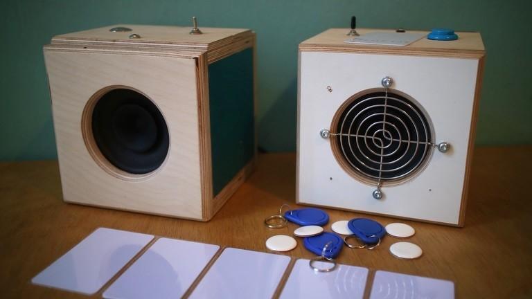 Selbstgebastelter Hörspiel- und Podcastplayer