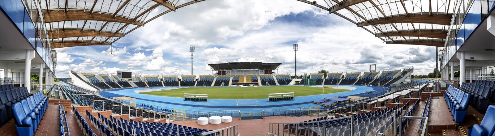 Blick auf ein Fußballstadion