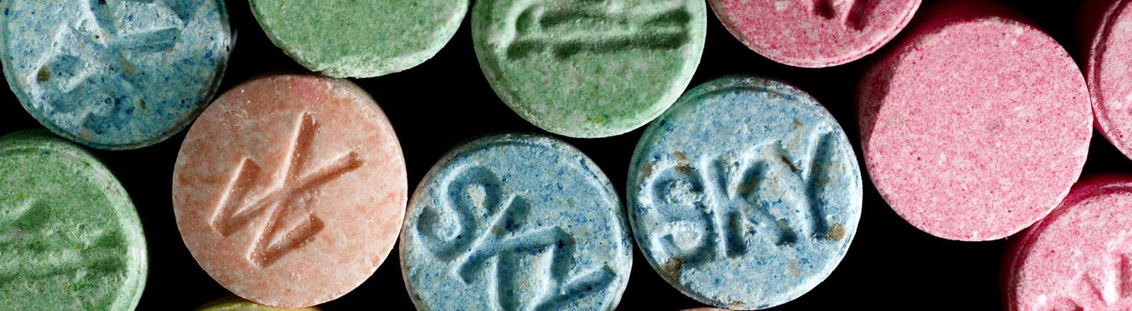 Bunte Extasy-Pillen