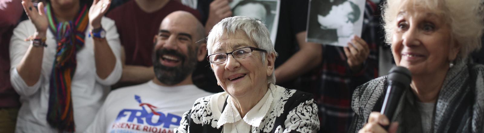 dpa: Die Großmütter der Plaza de Mayo