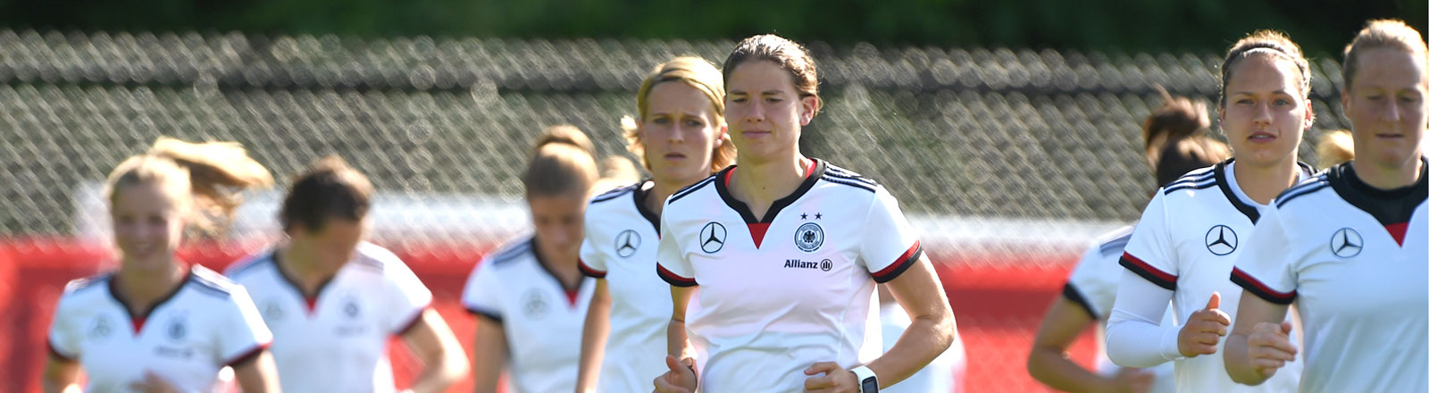 Die Frauen-Fußballnationalmanschaft beim Training