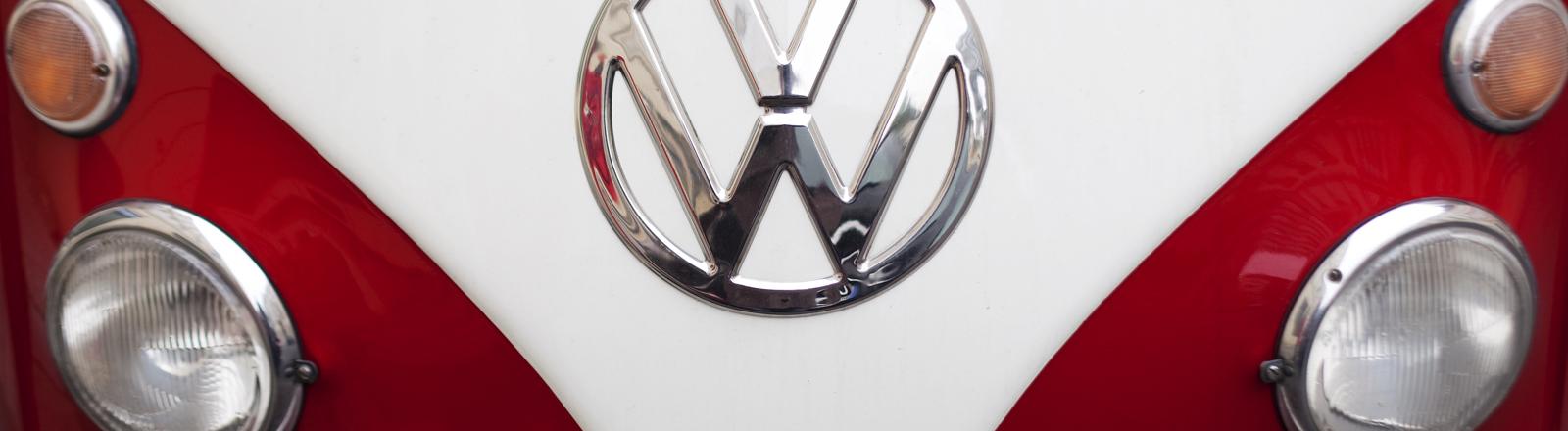 Die Front eines alten VW-Bus