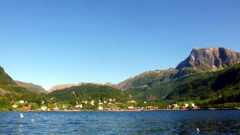 Rund 200 Einwohner und drei Möwen: das Fjorddorf Stongfjorden an der norwegischen Westküste