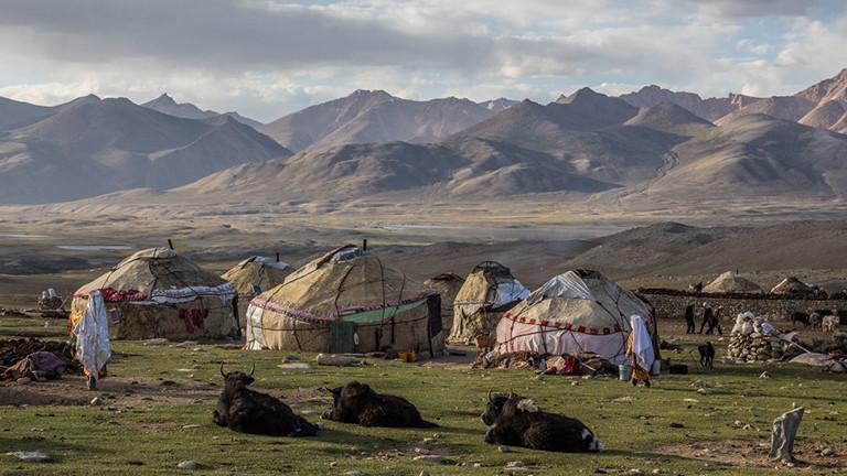 Eine Jurten-Siedlung im Pamir.