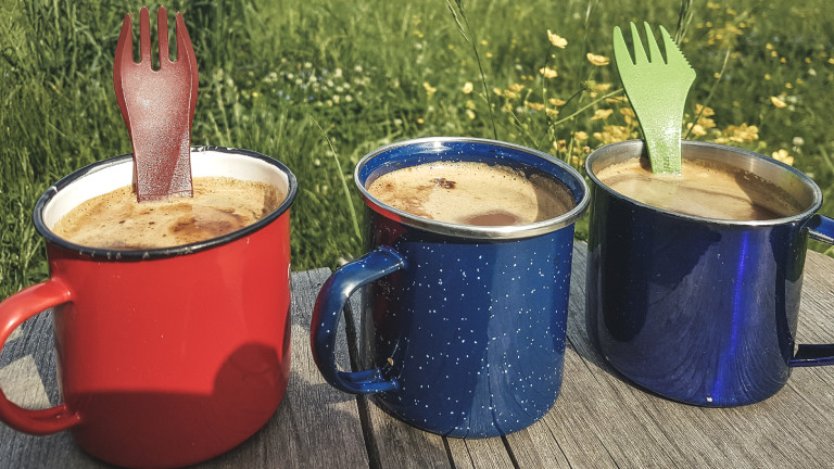 Kaffee für Mitwandernde: auf Teilen des Weges hatte Rebecca Maria Begleitung
