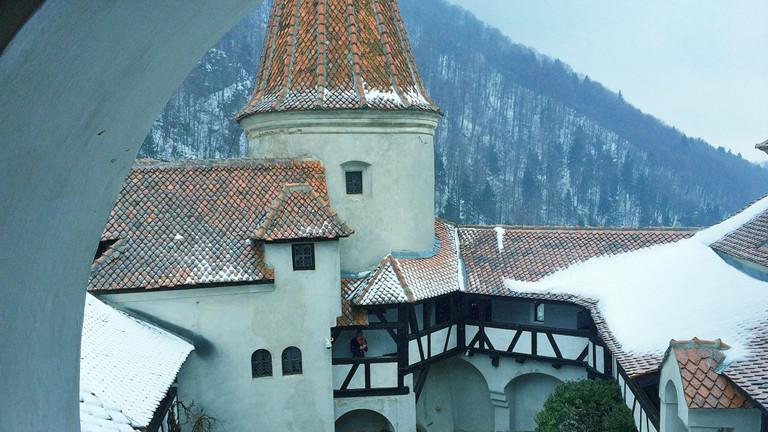 In Bran besucht Till Rüger das Schloss des Grafen Dracula.