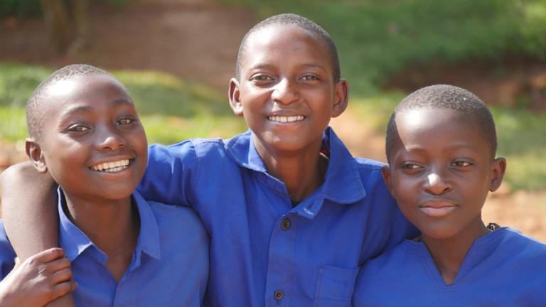 Schuljungen in Ruanda