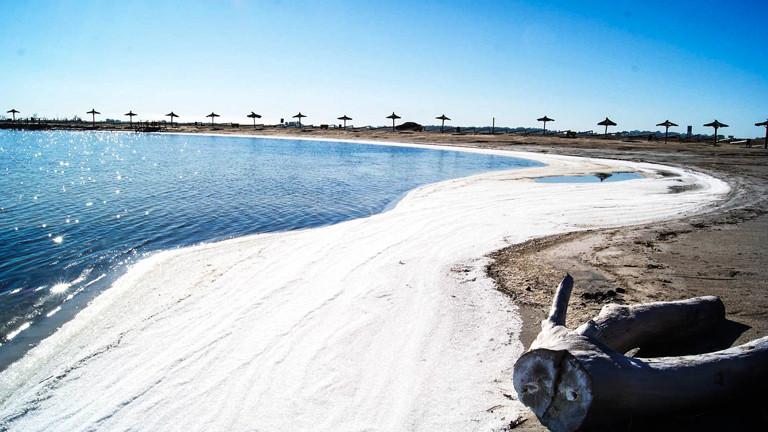 Der Strand des Lago Epecuén.