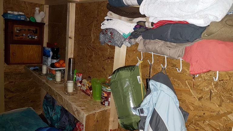 Eine mobile Unterkunft von Little Home von innen.