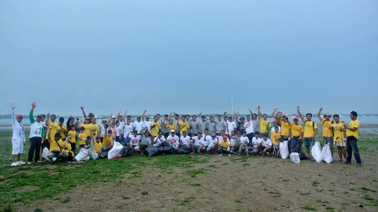 Nature CleanUp in Ubud mit Schulklassen und Lehrern aus der Umgebung, organisiert von Trash Hero