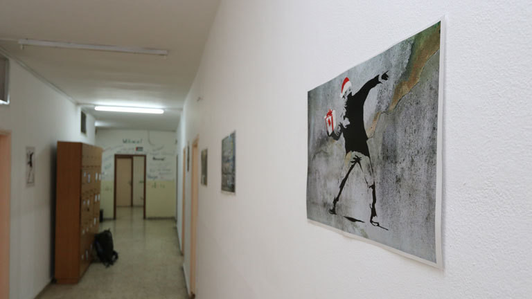 Bansky-Foto im Flur