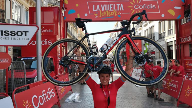 Monika Sattler bei einem Etappenende der Vuelta a Espana.