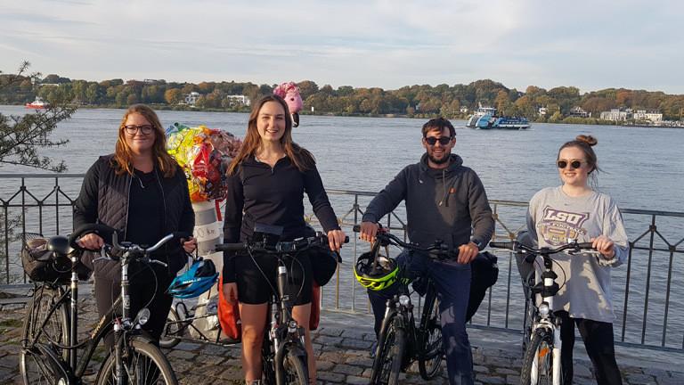 Clara Bütow bei ihrer Fahrradtour durch Europa.
