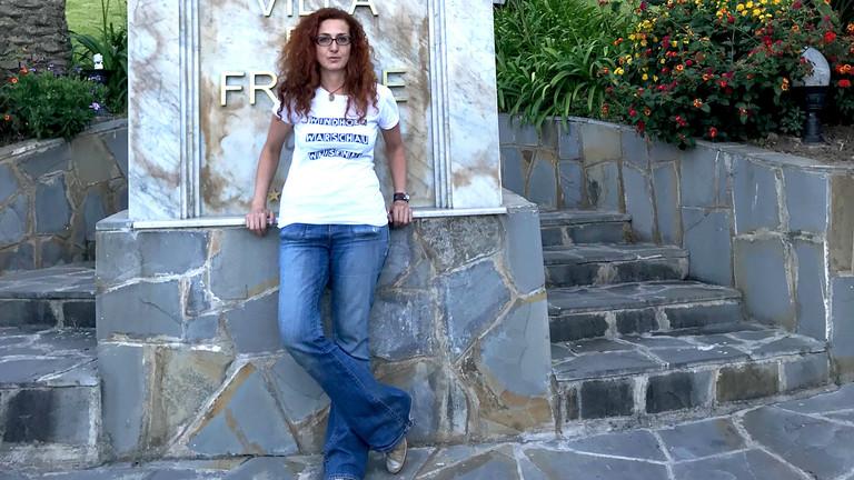 Miriam Spies vor dem Grand Hotel Villa de France in Tanger
