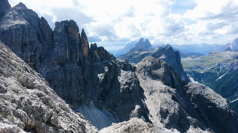 Blick aus der Sentinellascharte in den Dolomiten
