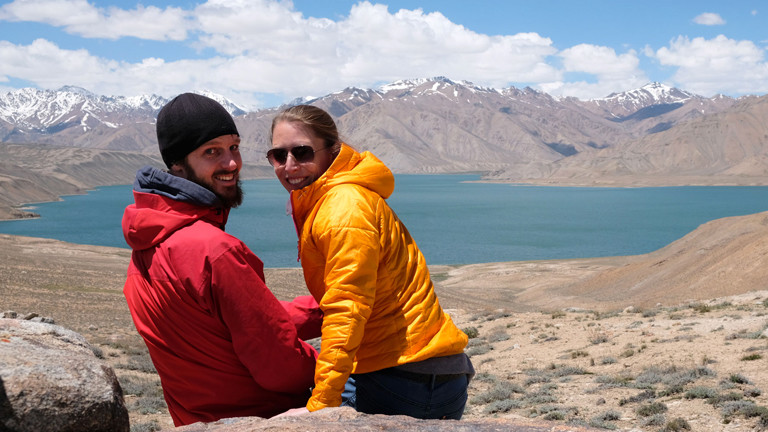 Leo und Sebastian in Tadschikistan am Lake Karakol