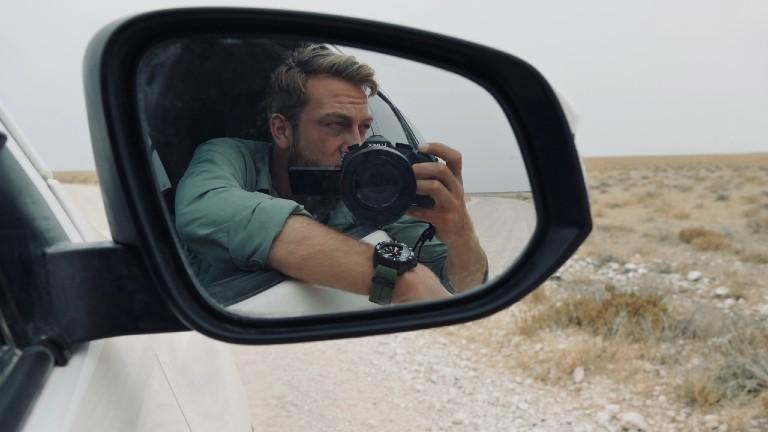 Gunnar Oberhösel fährt mit dem Jeep durch Afrika
