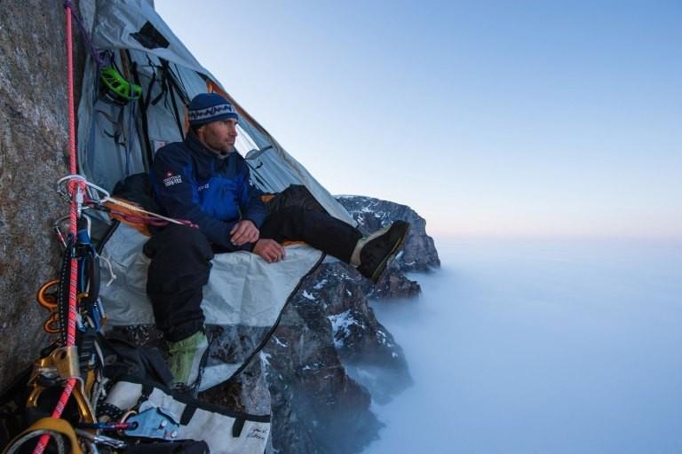 Fotograf Klaus Fengler in einer Felswand