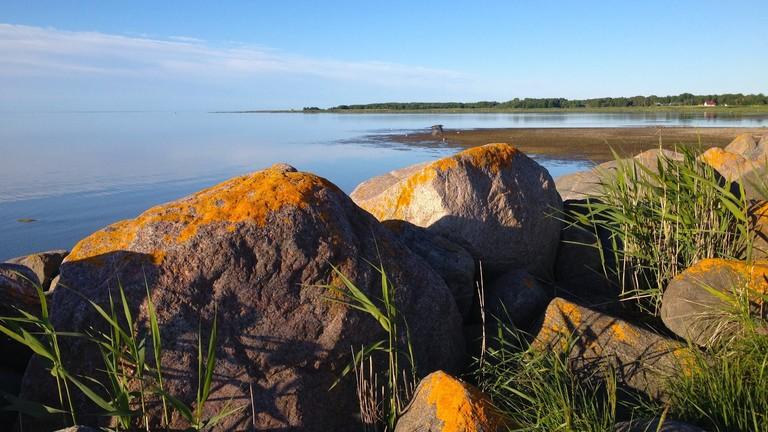 Die estnische Insel Kinhu im Frühling