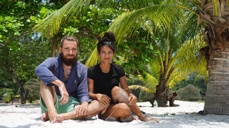 Weltreise: Morten und Rochssare trampen seit fünf Jahren quer durch Asien - hier am Strand von Thailand