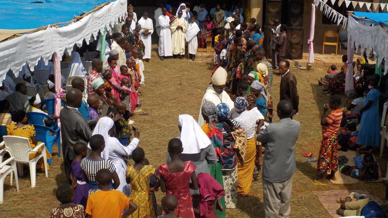 Fest in einem afrikanischen Dorf.