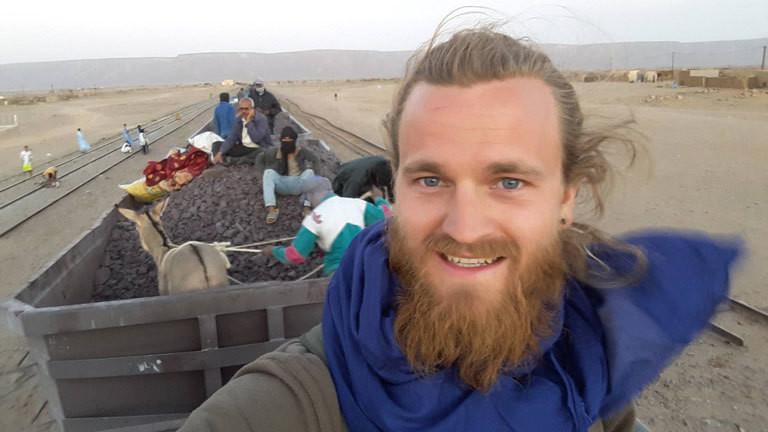 Bjorn Augestad reist auf dem Zug durch Mauretanien.