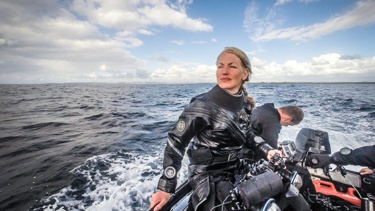 Unterwasser-Kamerafrau Christina Karliczek