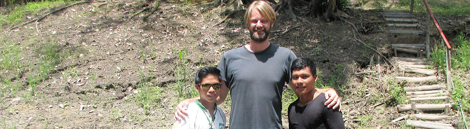 Torsten Johannknecht mit zwei Guides in Peru